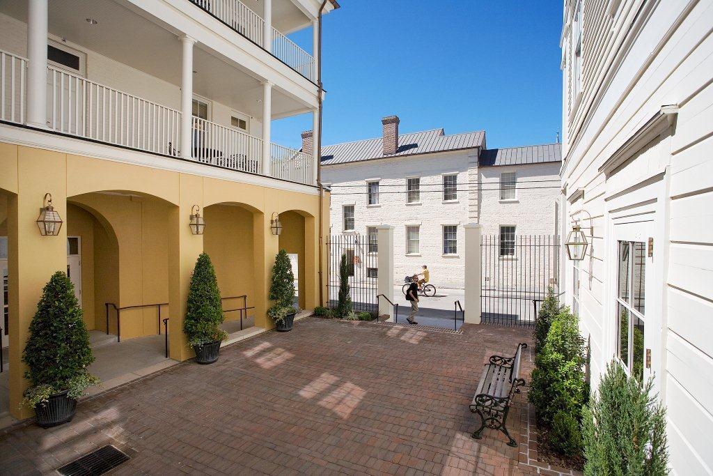College of Charleston - Courtyard
